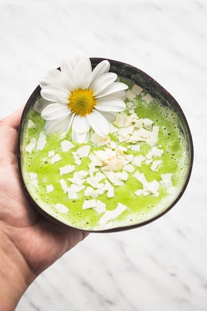 Still life of delicious kiwi smoothie Free Photo