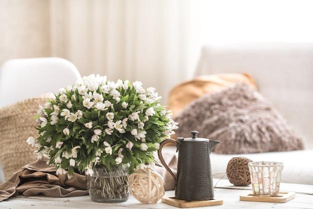 Натюрморт детали интерьера в гостиной и декор Бесплатные Фотографии