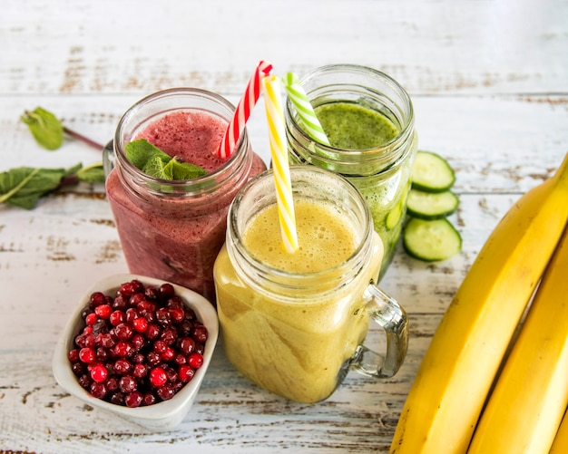 Still life of a tasty summer smoothie Free Photo