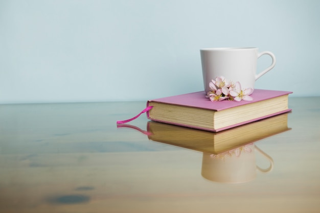 Still life with literature concept Free Photo