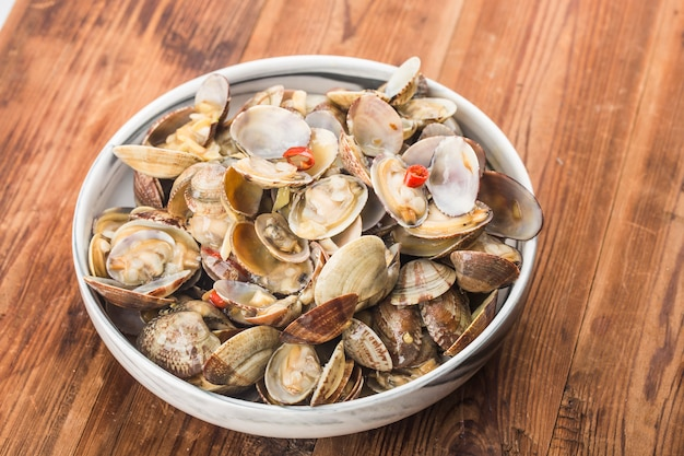Stir fried clams with roasted chili paste Premium Photo