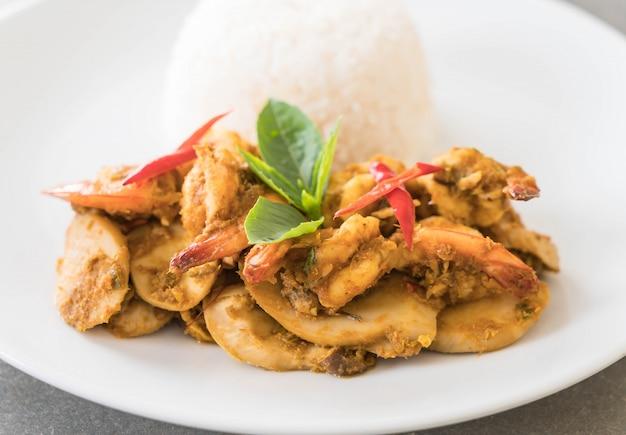 Stir fried shrimp and green curry 1339 4340