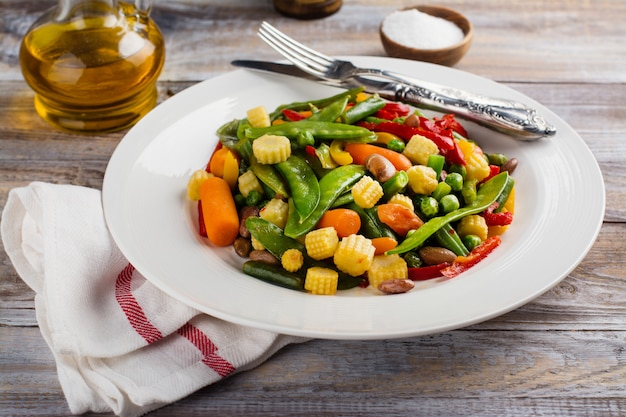 Stir fry vegetables Premium Photo
