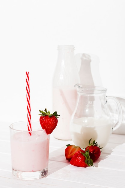 Strawberry beverage on table Free Photo