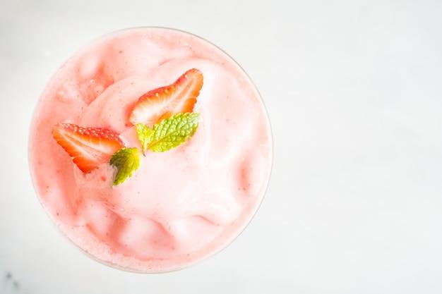 Strawberry smoothies Free Photo