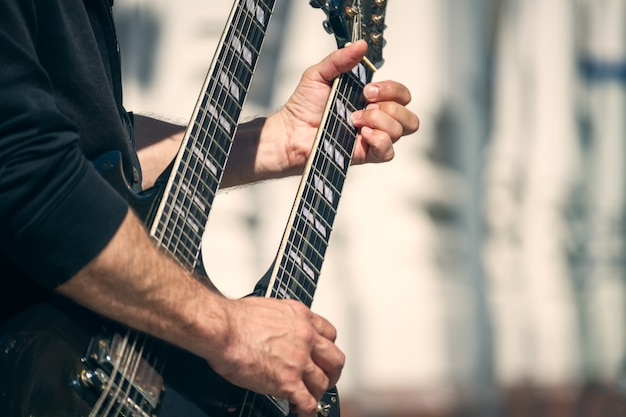 Street guitar rock Premium Photo