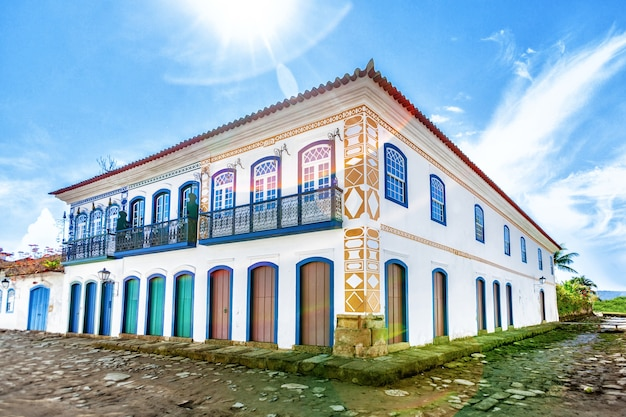 Street and old portuguese colonial houses Premium Photo
