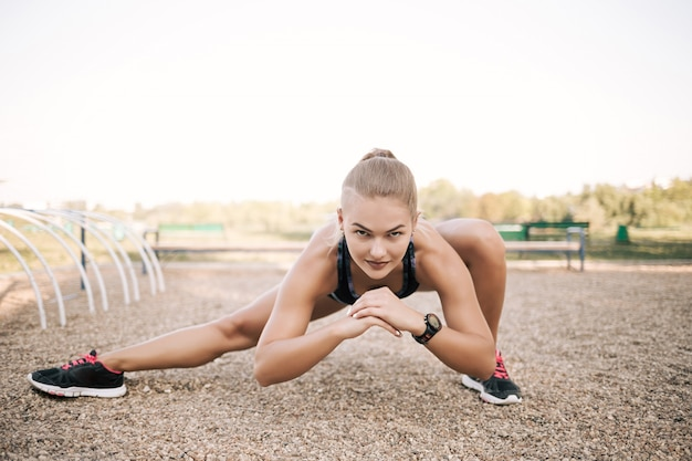 Street stretching workout Free Photo