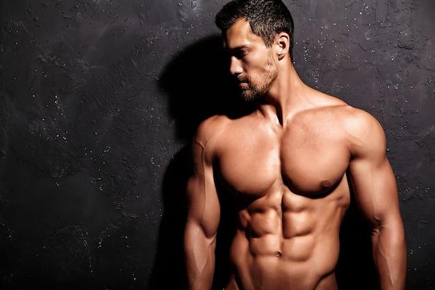 Сильный мужчина без футболки Бесплатные Фотографии