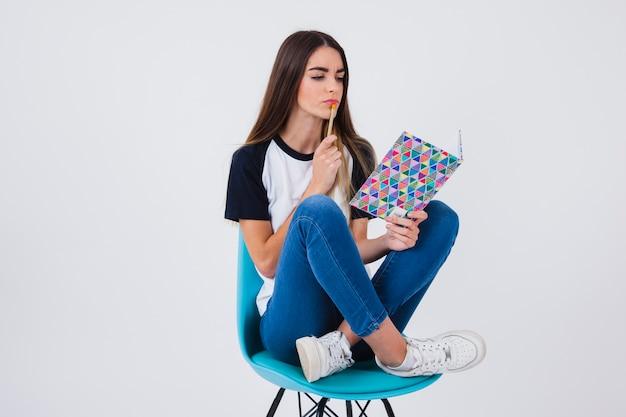 Student thinking Premium Photo