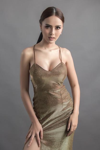 Studio fashion shot of asian woman Free Photo