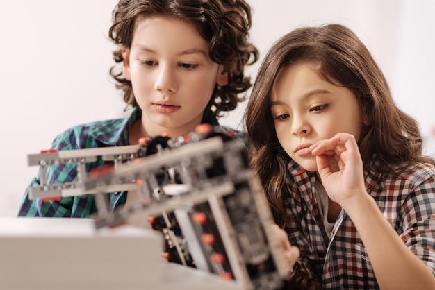 Nên dạy lập trình cho trẻ em từ khi mấy tuổi