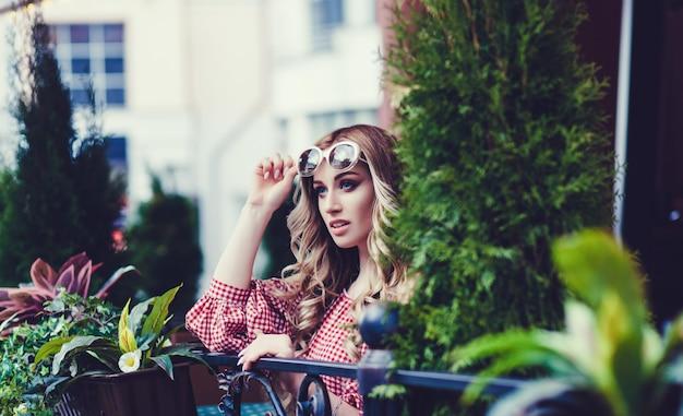 Stylish lady in sunglasses Premium Photo