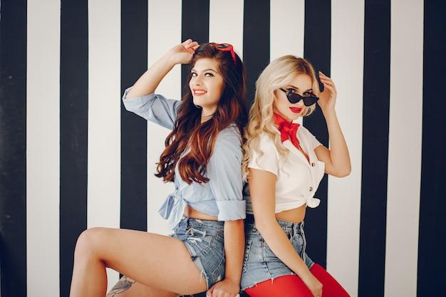 Stylish pin up girls Free Photo