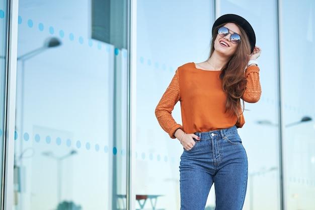 Stylish pretty young woman Premium Photo