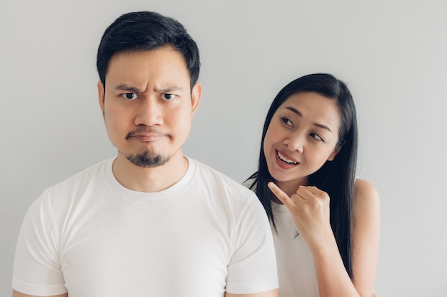 Sulk and reconcile couple lover in white t-shirt Premium Photo