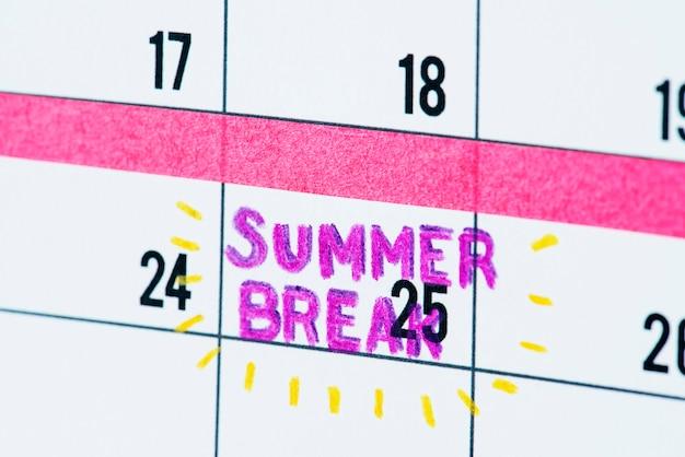 Summer break calendar reminder Free Photo