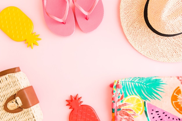 Summer composition on pink background Free Photo