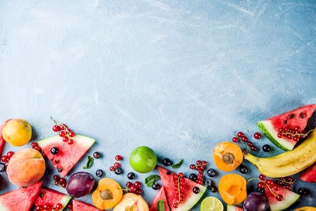 Summer fruit and berries assortment Premium Photo