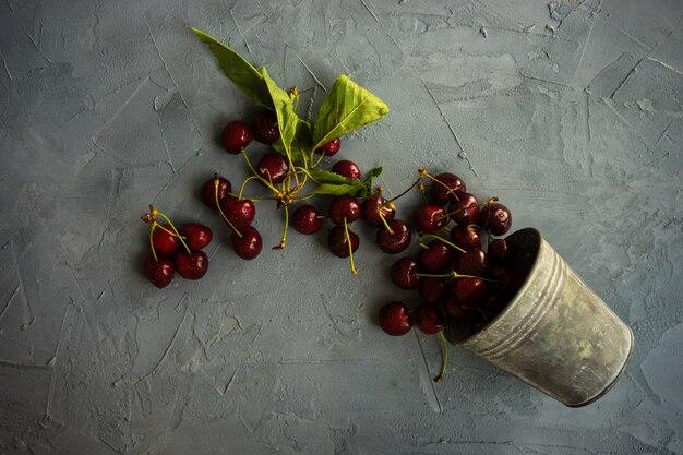 Summer organic fruit concept Premium Photo