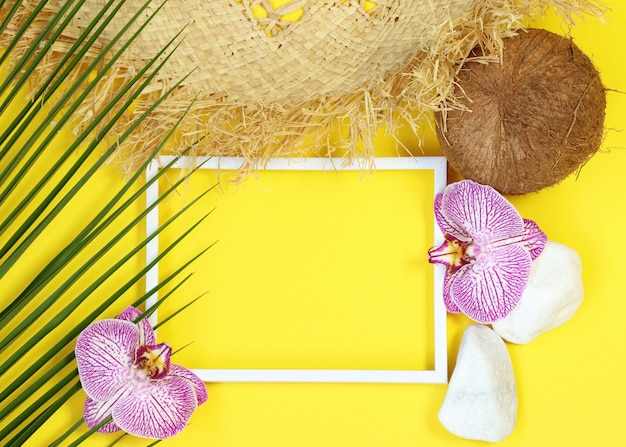 Summer photo frame with tropical elements Premium Photo