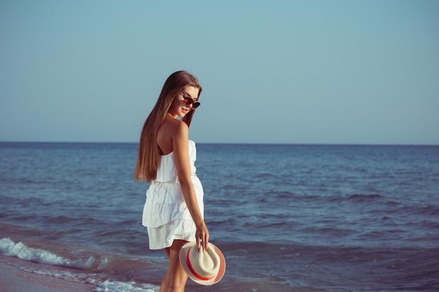 Summer vacation woman Premium Photo