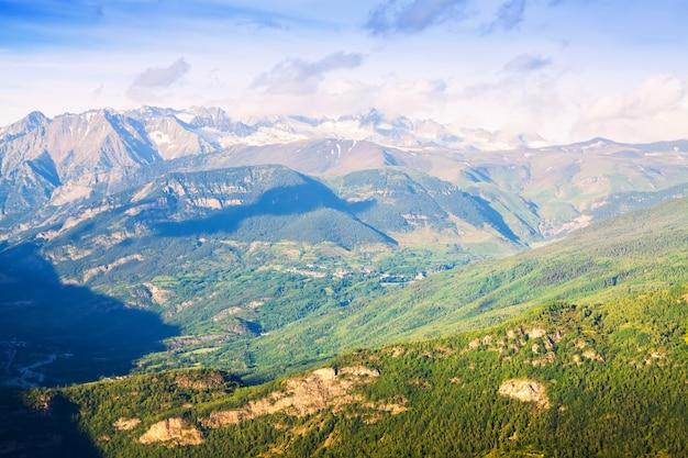 Летний вид на горы пиренеев Бесплатные Фотографии
