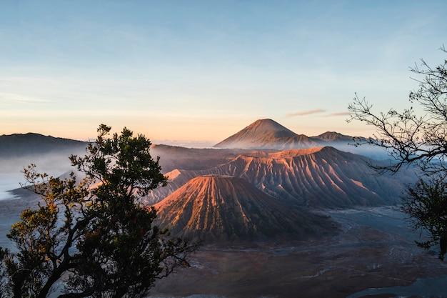 Sunrise at volcano mt.bromo (gunung bromo) east java, indonesia Premium Photo