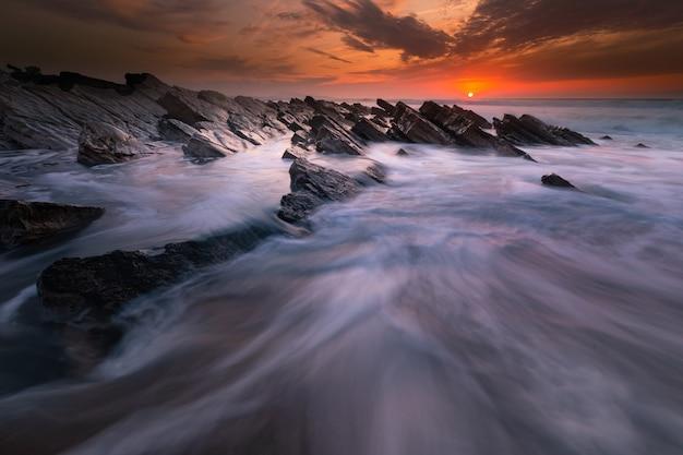 Sunset at bidart's beach next to biarritz, basque country. Premium Photo