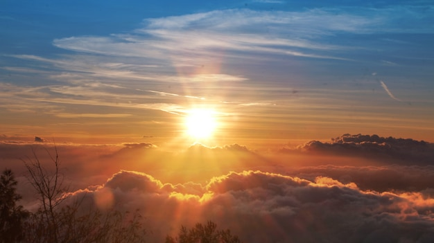 Sunset on the mountain Premium Photo