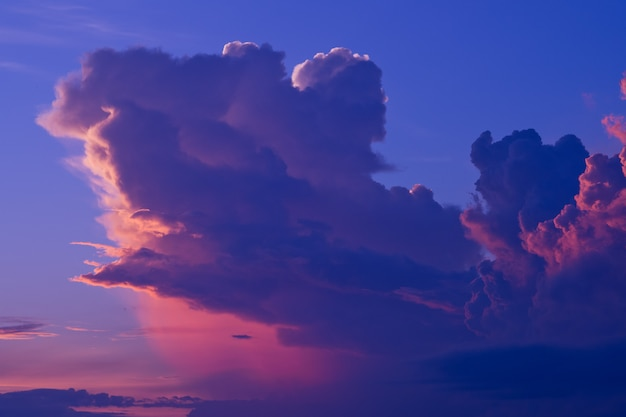 premium photo sunset with clouds background summer time beautiful sky https www freepik com profile preagreement getstarted 4606564