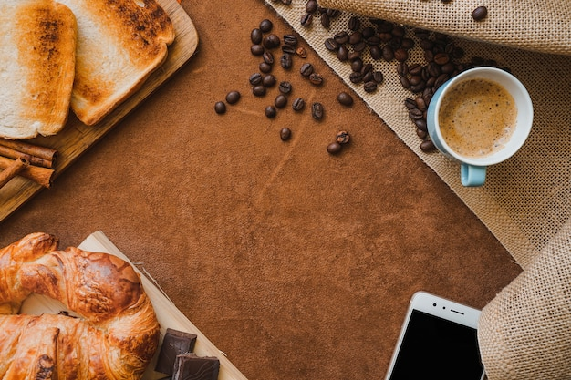 Surface with breakfast and blank space for father's day Free Photo
