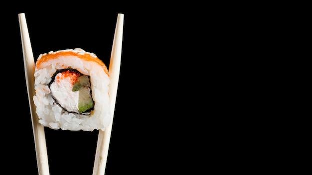 Суши ролл с копией пространства Premium Фотографии