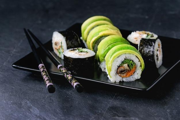 Sushi rolls set Premium Photo