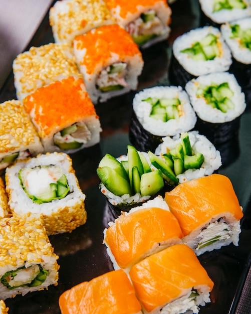 freír Aceptado Cava  Free Photo | Sushi set kappa maki philadelphia crab maki side view