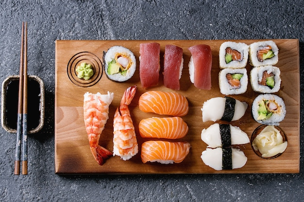 Sushi set nigiri and rolls Premium Photo