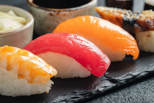 Sushi set of salmon, tuna and smoked eel. Premium Photo