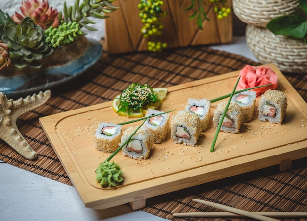 Sushi set with ginger and wasaby Free Photo