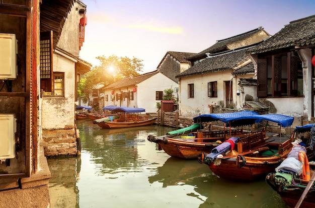 Suzhou ancient town night view Premium Photo