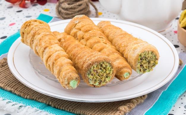 Sweet bakery food cream roll Premium Photo