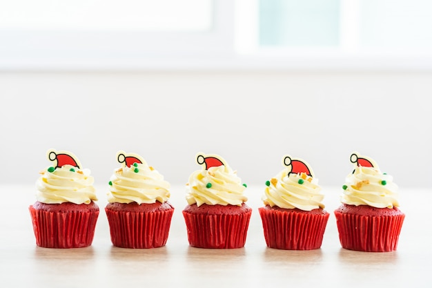Sweet dessert with cupcake red velvet Free Photo