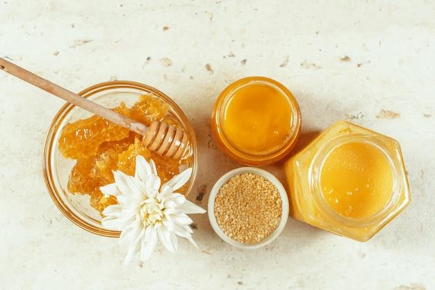 Sweet honey on the table Premium Photo
