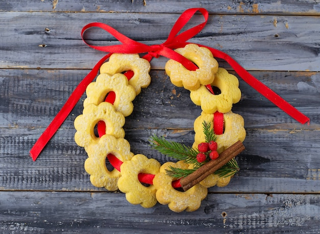 Sweet shortbread cookies in the form of a christmas wreath Premium Photo