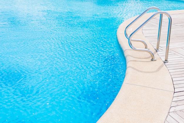 Swimming pool Free Photo