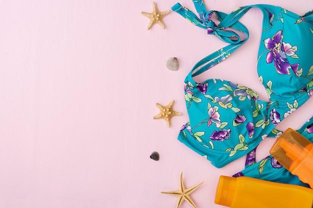 Swimsuit with different seashells and starfish Premium Photo