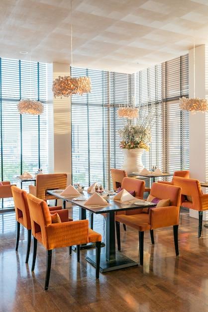 Table setting restaurant Premium Photo