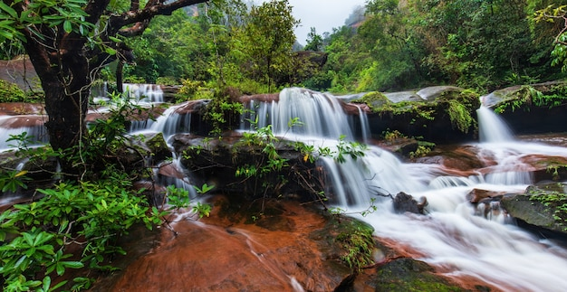 Tad-wiman-thip waterfall, beautiful waterfall in thailand. Premium Photo