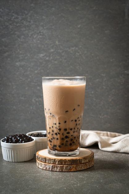 泡入り台湾ミルクティー、人気のアジアンドリンク Premium写真