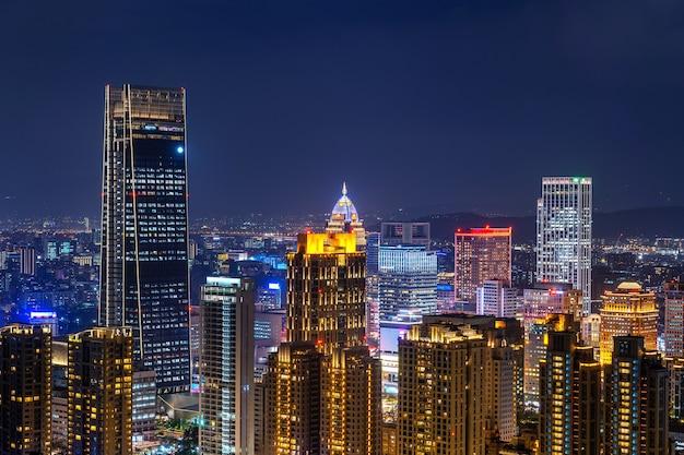 대만 스카이 라인, 타이페이에서 일몰 아름다운 풍경. 무료 사진