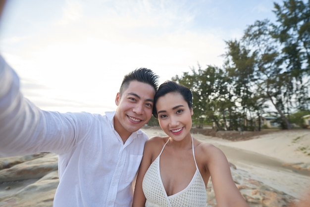 Taking selfie with soulmate Free Photo